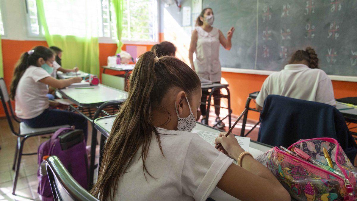 Los contagios en las escuelas son muchos menos de los que denuncia el SUTE.