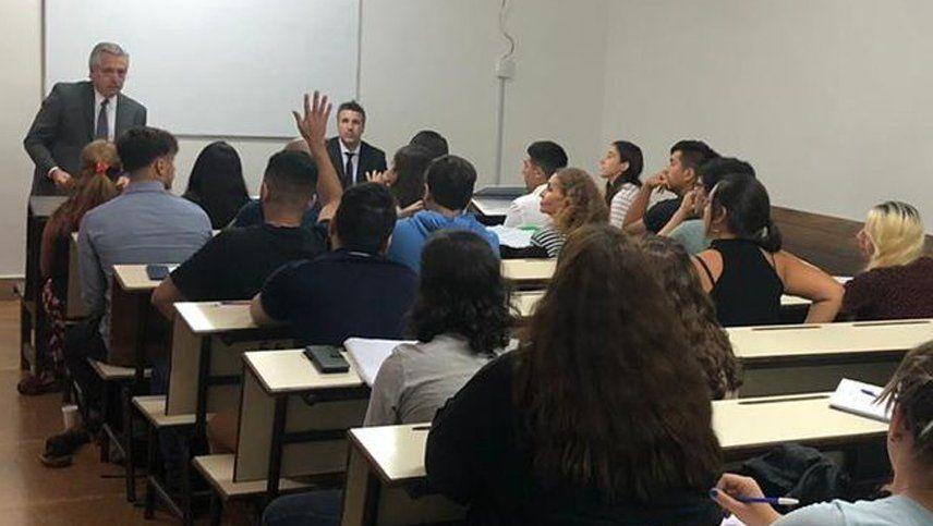 Alberto volvió a dar clases a la UBA en un día de fuertes anuncios por el coronavirus