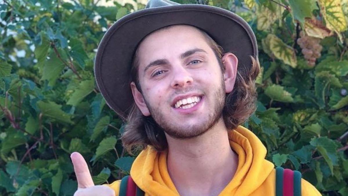 Un famoso youtuber e influencer murió al caer de una montaña