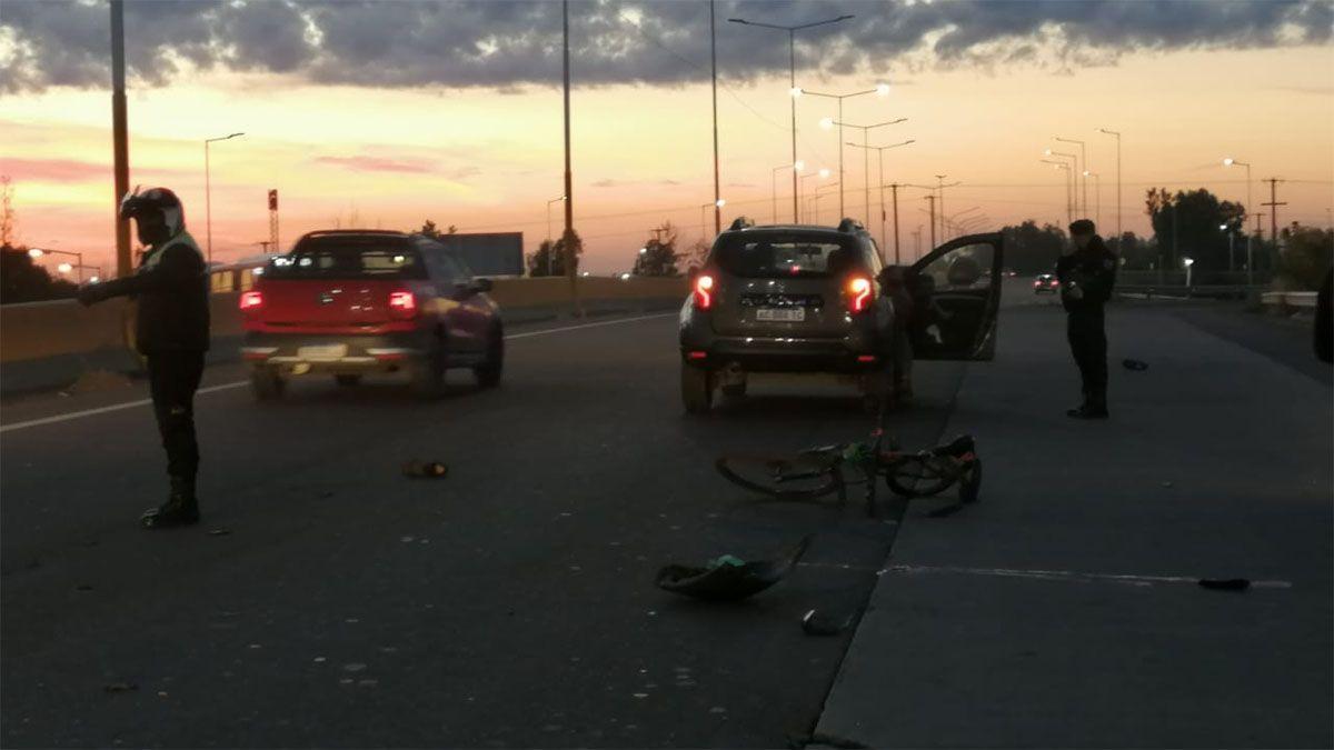 Un ciclista está en grave estado luego de ser atropellado en Luján