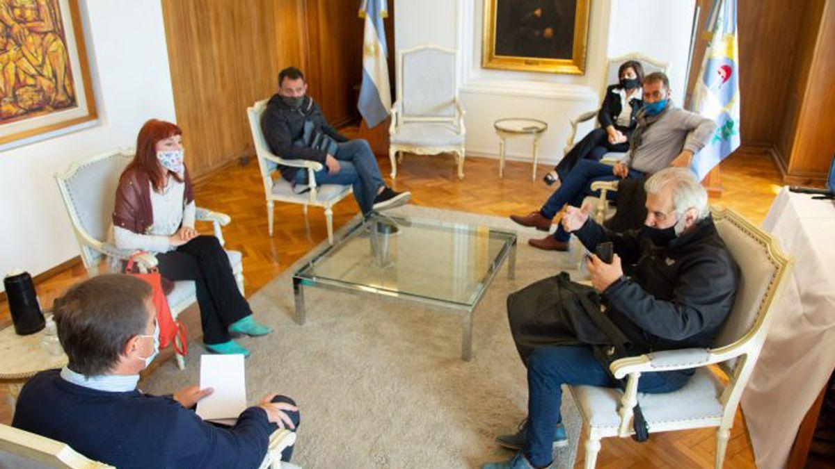 La primera reunión entre el gobierno y directores de Vendimia fue el 28 de agosto.