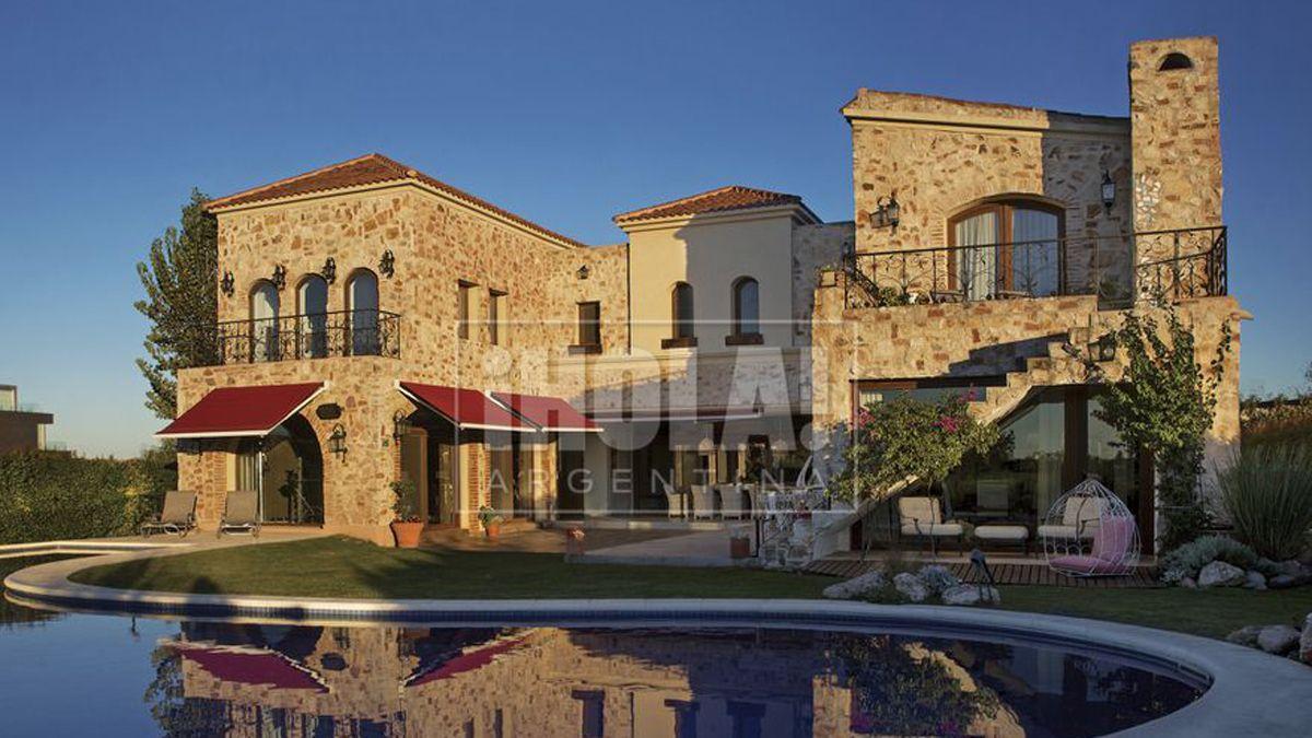 La casa de Alejandro Fantino y su novia Coni.