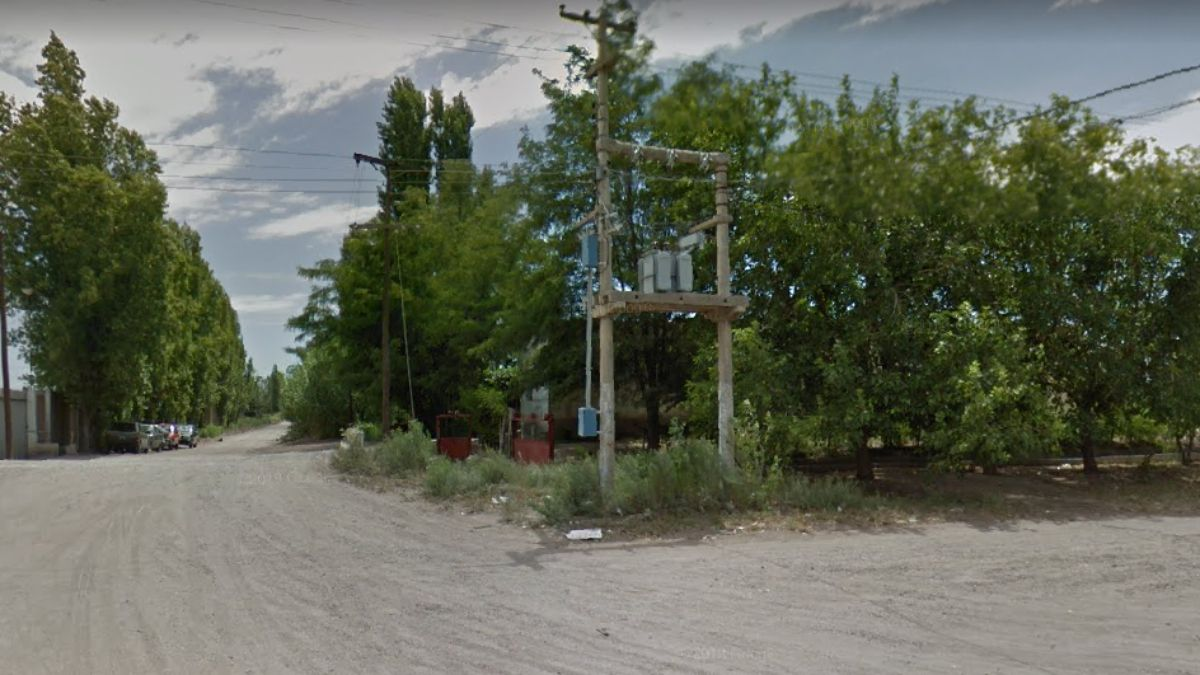 En esta esquina Pedro Cristino Vargas cayó al zanjón y fue arrastrado. El anciano fue encontrado luego por los bomberos
