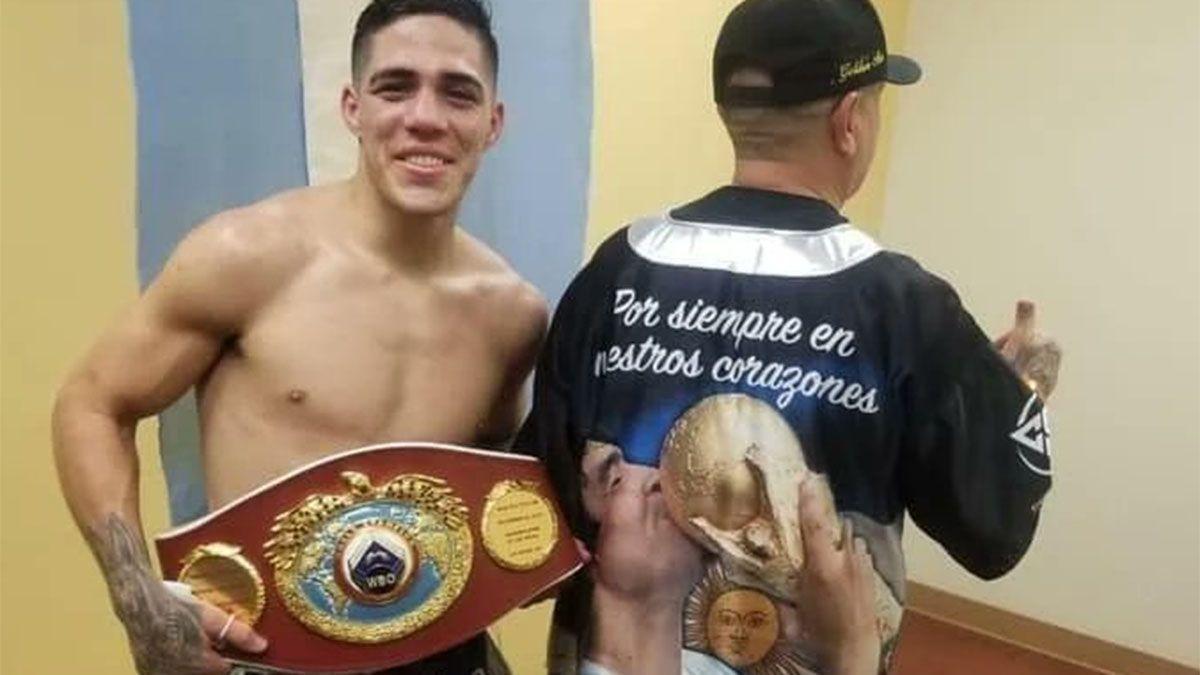 Brian Castaño aplastó a Patrick Teixeira y es campeón mundial