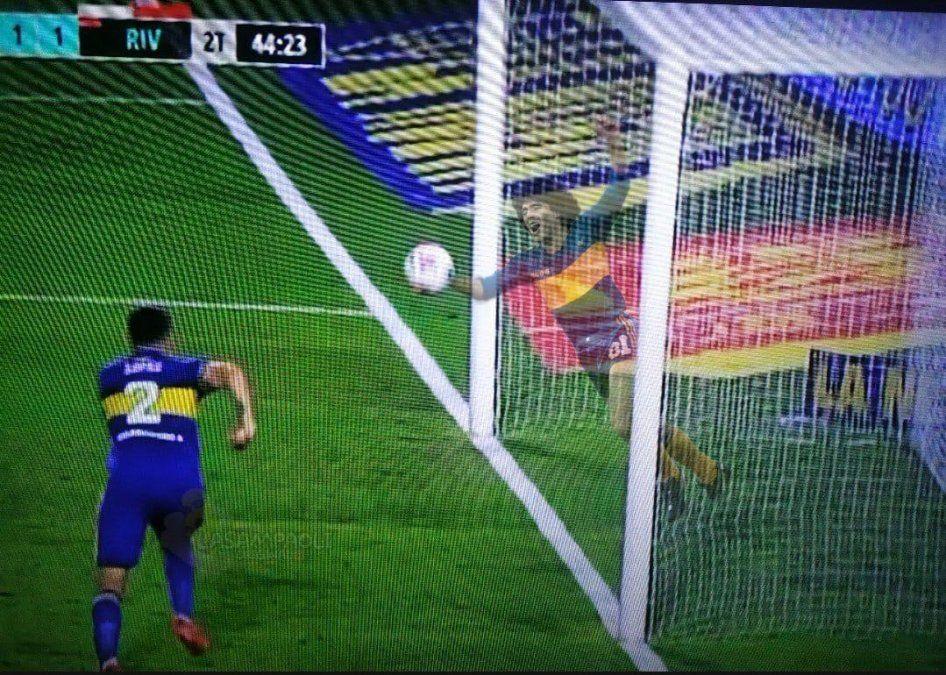 Fuaa el Diego: la jugada que no terminó en gol de River
