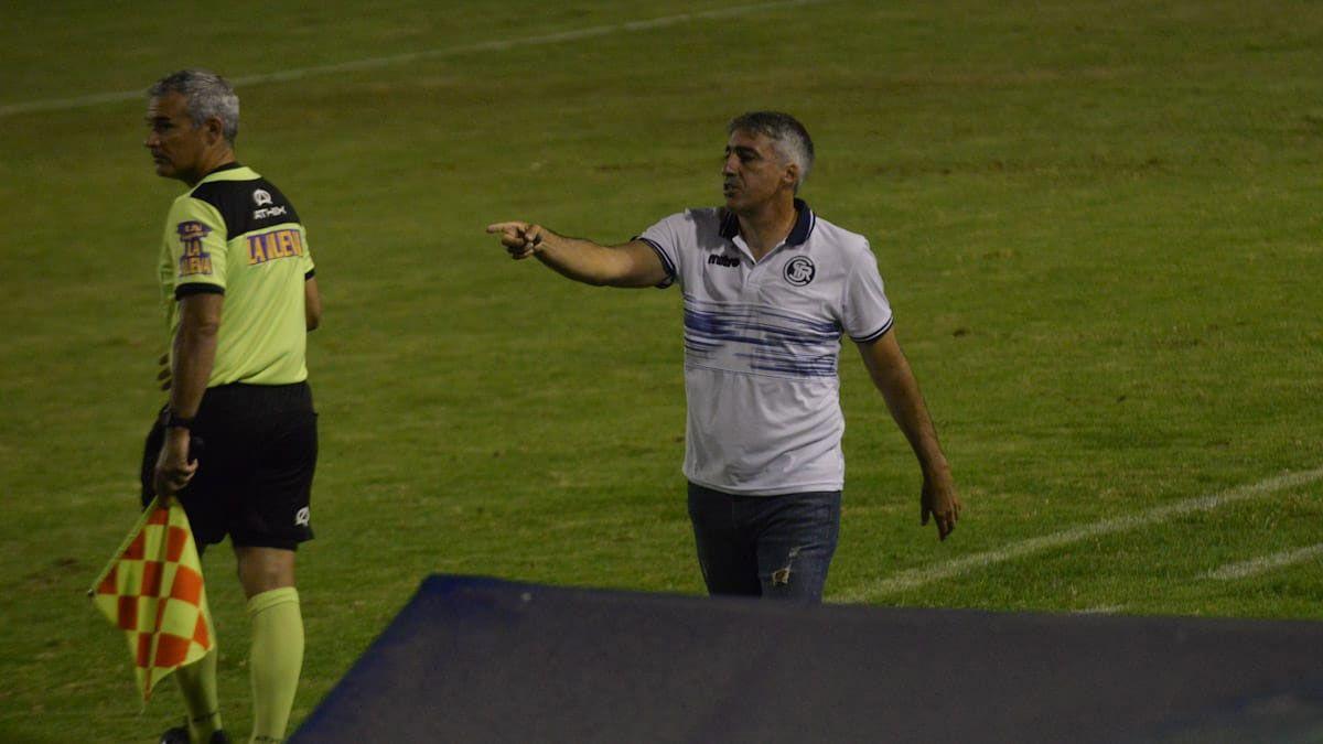 Gabriel Gómez quedó muy conforme con la actitud del equipo