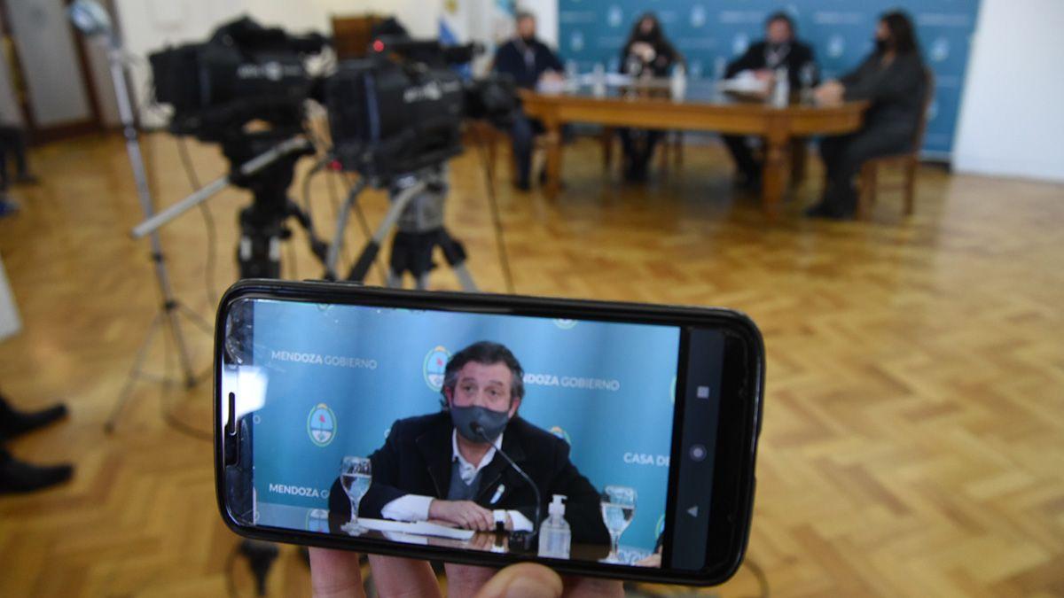 Reforma constitucional. Víctor Ibañez continúa con su ronda de reuniones.