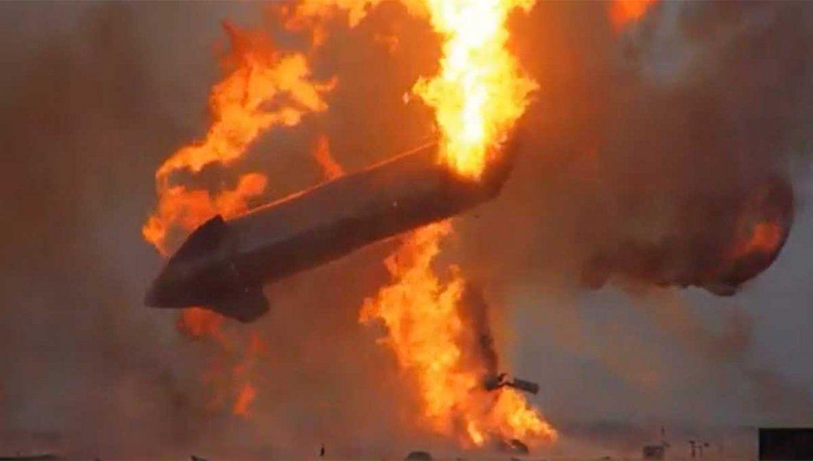 El cohete no tripulado de SpaceX explotó en tierra este miércoles algunos minutos después de realizar lo que parecía ser un vuelo y aterrizaje exitoso.