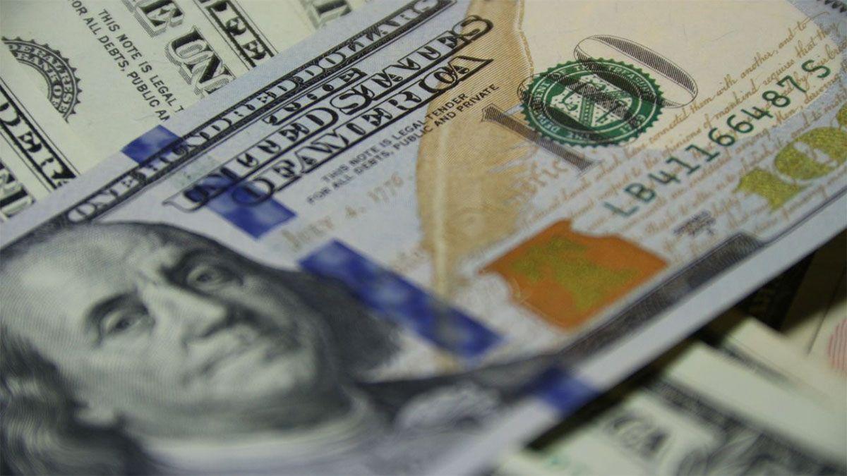 Cómo guardar dólares y que no se arruinen