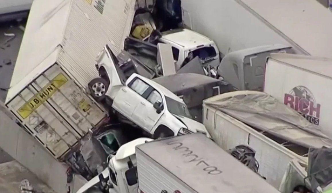 Autopista congelada: accidente entre casi 100 autos dejó 5 muertos