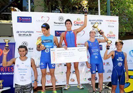 Gonzalo Telechea logró el triunfo en el Triatlón Internacional Vendimia