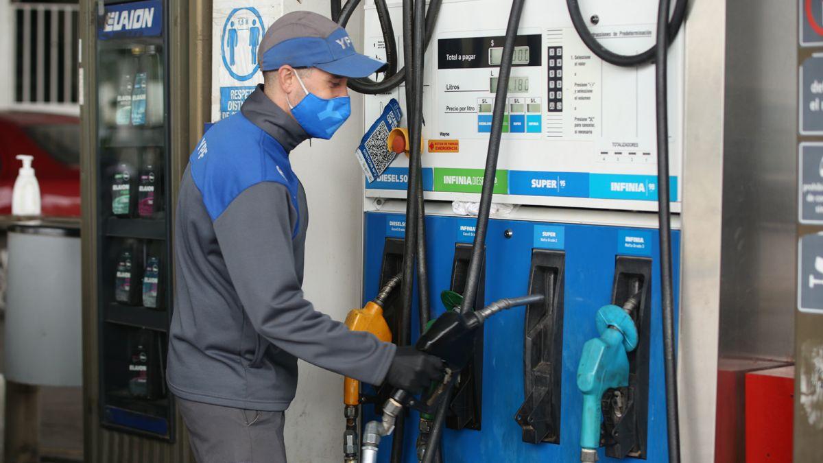 YPF concretó la suba del 6% en sus combustibles desde este sábado.
