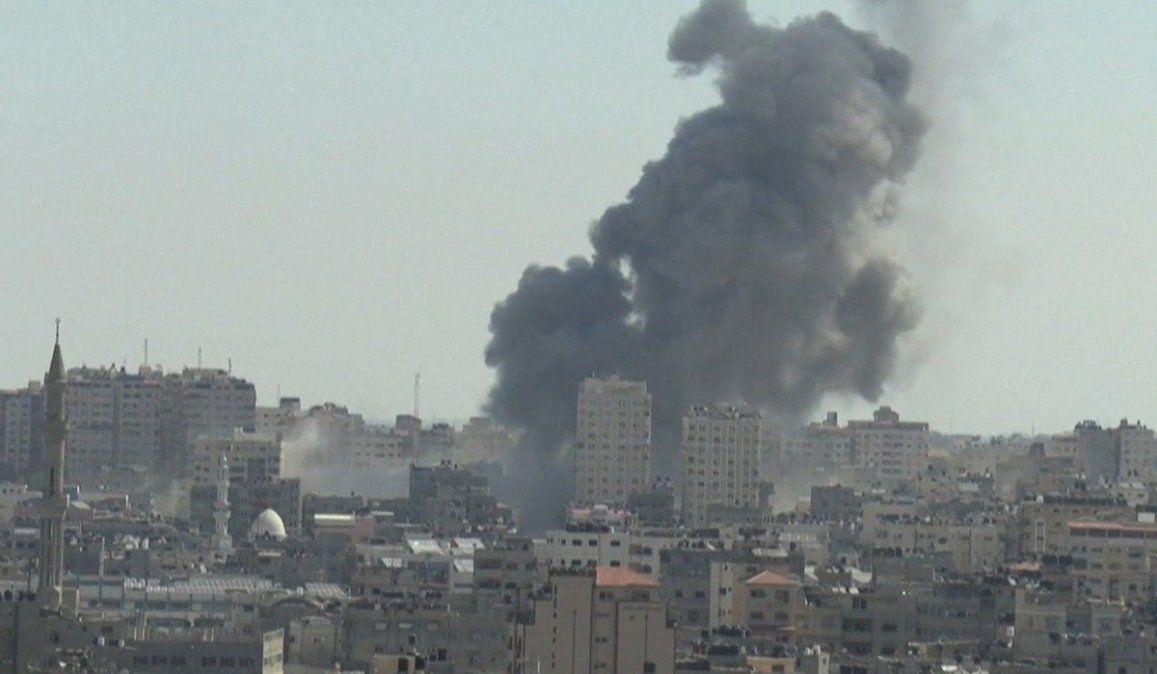 Los intensos bombardeos del ejército israelí provocaron destrucción en la Franja de Gaza y la muerte de 40 palestinos