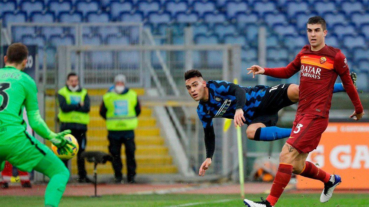 Roma e Inter igualaron en el clásico y beneficiaron al Milan