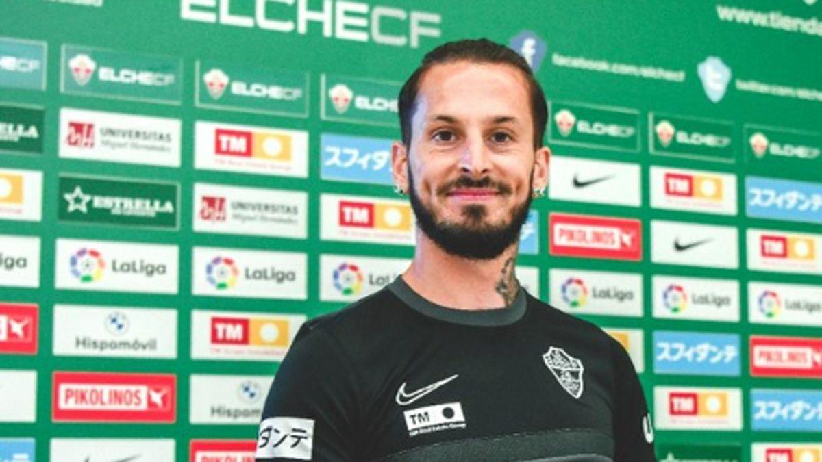 Darío Benedetto es jugador y accionista en Elche.