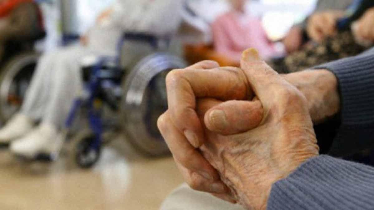 Preocupa que al regresar los abuelos que salieron deban estar aislados en los geriátricos