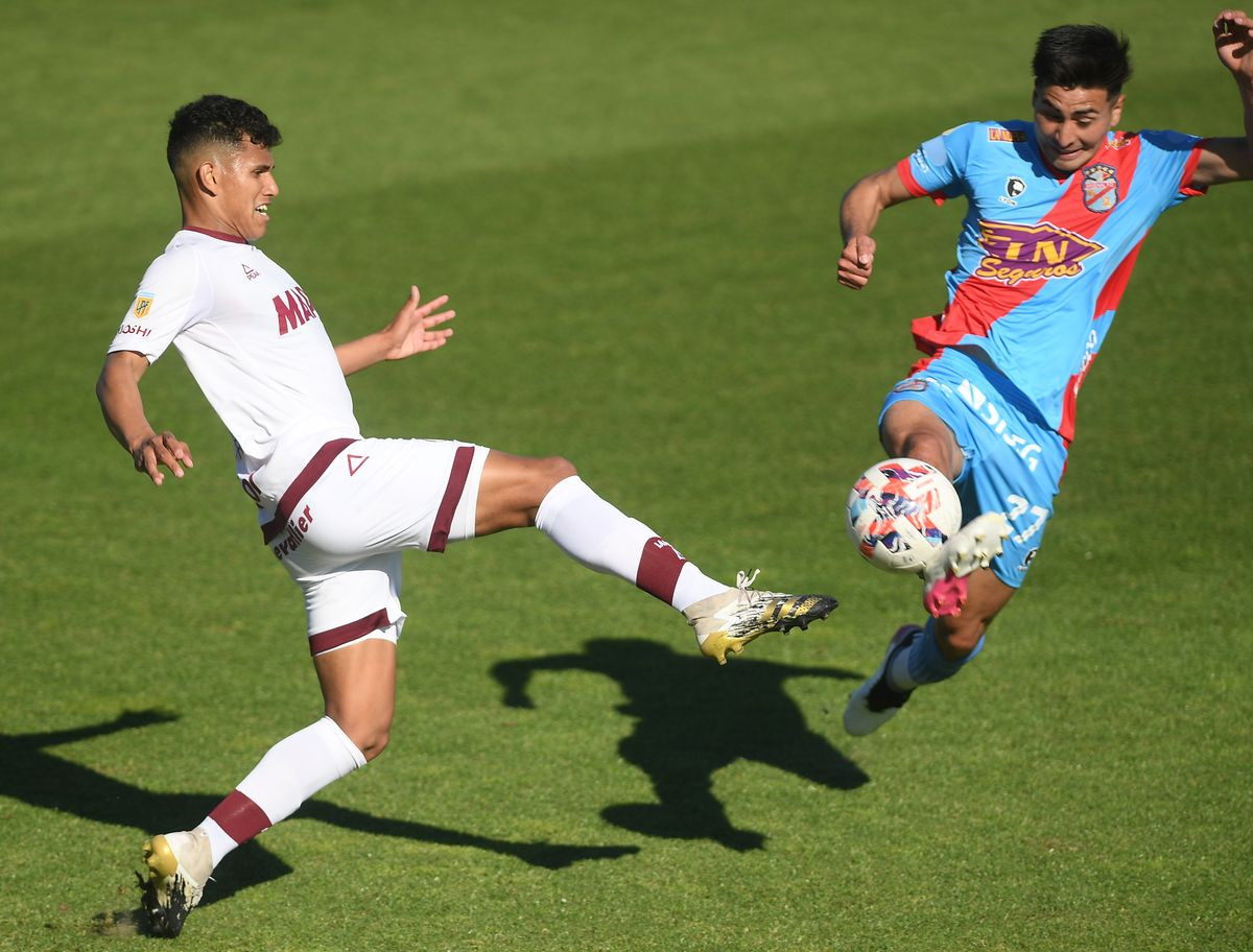En la Liga Profesional de Fútbol, Lanús volvió a perder y Banfield, su clásico rival, ganó.