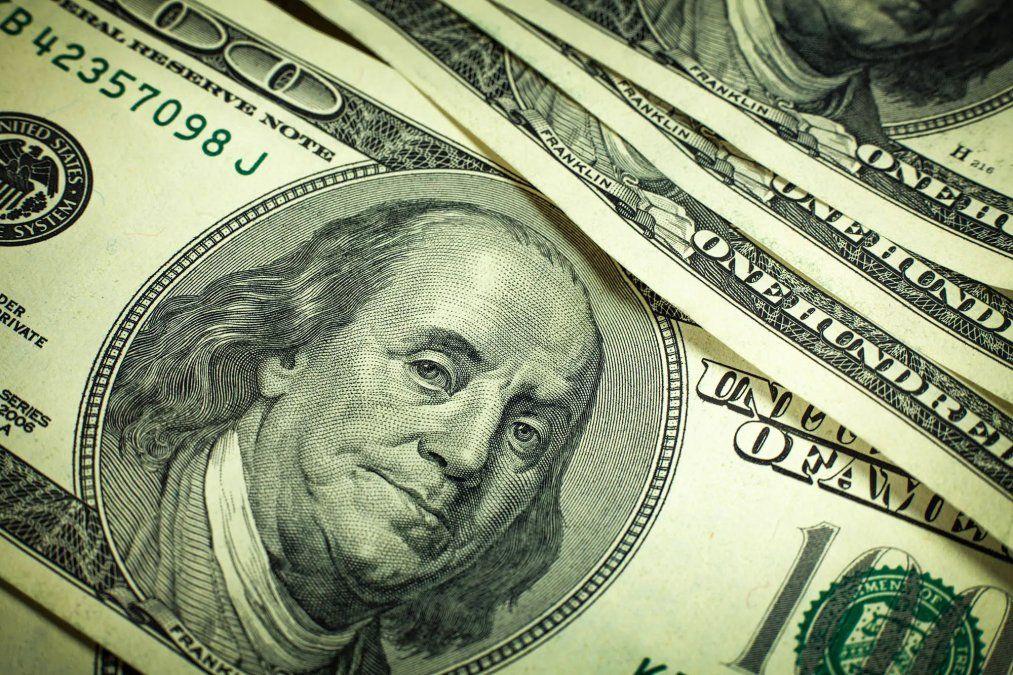 Quiénes pueden recuperar el 35% retenido por dólar ahorro en la AFIP y cómo es el paso a paso para hacerlo si pago o no Ganancias. Descargar el formulario 572 web