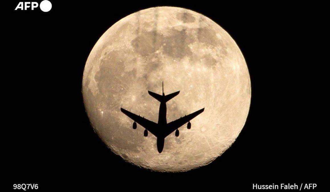 ¿Viste la Superluna rosa? Fotos y fecha de la próxima