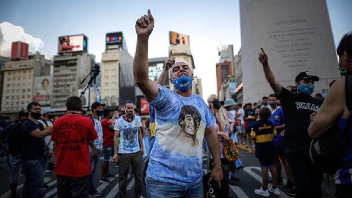 Lo que más producimos los argentinos son ídolos para estampar en las remeras.