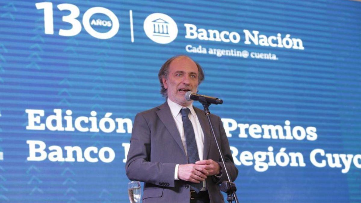 Eduardo Hecker, presidente del BNA, durante el reconocimiento a empresas de Mendoza.