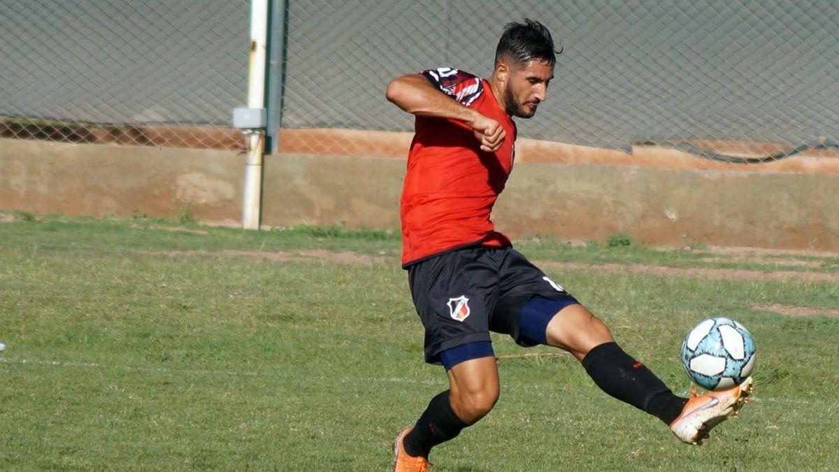 Viguet viene de marcar ante Agropecuario y aseguró que buscarán los tres puntos ante Quilmes. (Fotos gentileza Prensa Deportivo Maipú).