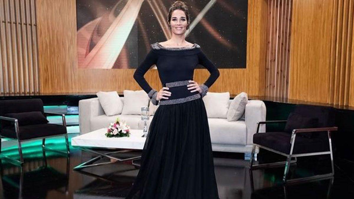 Juana Viale sorprendió con un detalle personal al mostrar su look en La Noche de Mirtha