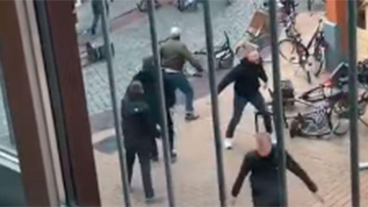 Graves incidentes entre barras del Groningen y del Arminia Bielefeld antes de un partido amistoso.