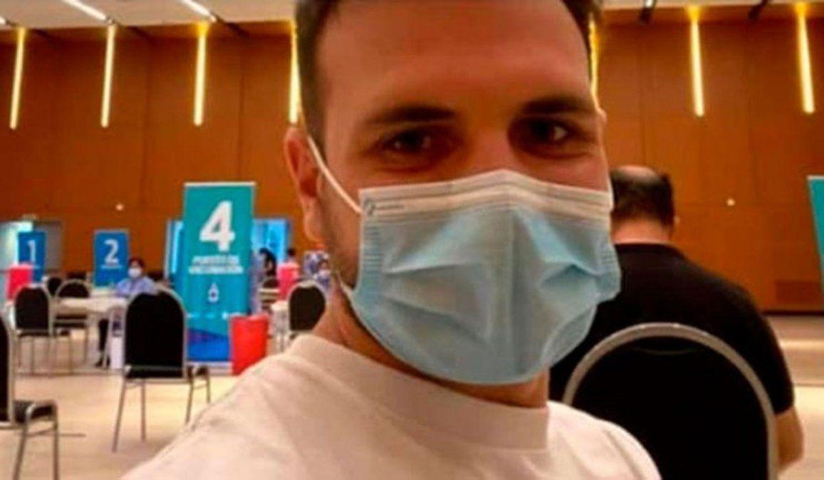 Polémica en Córdoba: se vacunó el nieto de 28 años de un ex ministro de Salud
