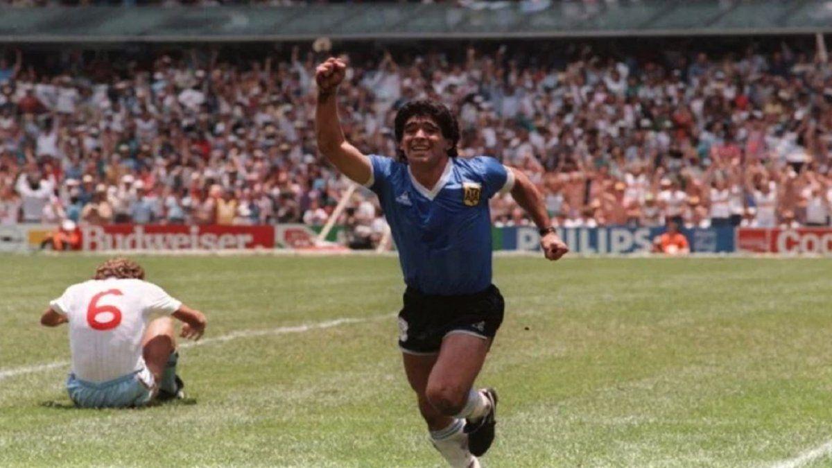 La AFA homenajea a Maradona a 35 años del gol a Inglaterra