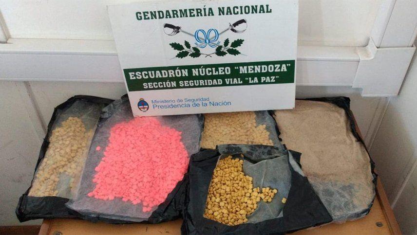 Lo detuvieron con 6.983 pastillas de éxtasis y más de 2 kilos de cocaína