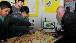 Estudiantes demostraron su ingenio con proyectos creativos