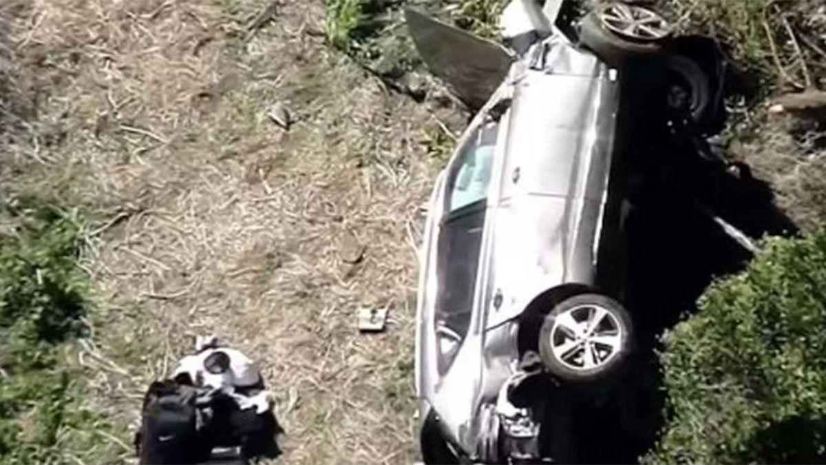 Tiger Woods sufrió un accidente automovilístico y está hospitalizado