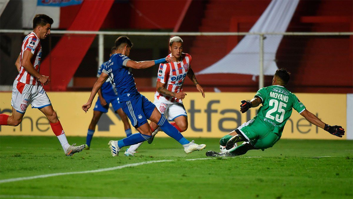 Unión arrancó la Sudamericana perdiendo ante Emelec