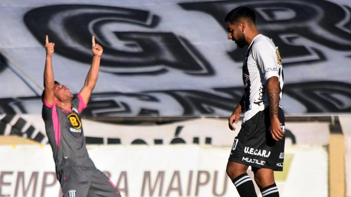 Oscar Garrido miraba al cielo y gritaba su gol con el corazón.