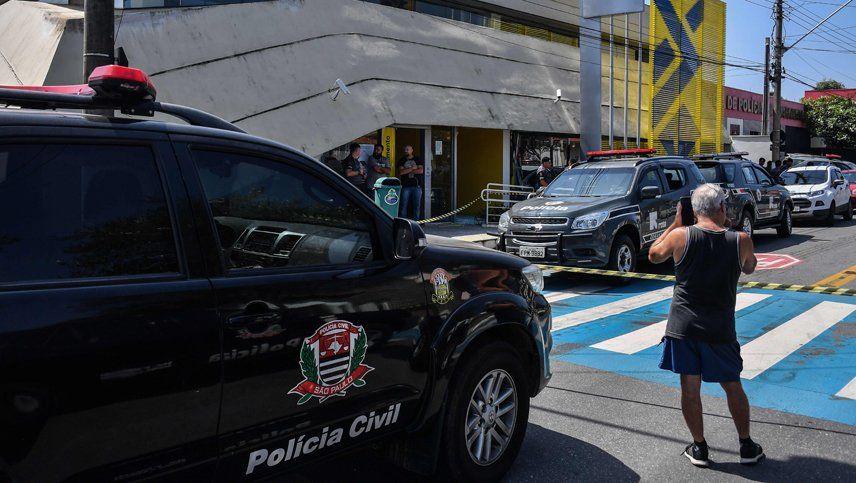 Policías de Brasil mataron a 11 ladrones y Bolsonaro los felicitó