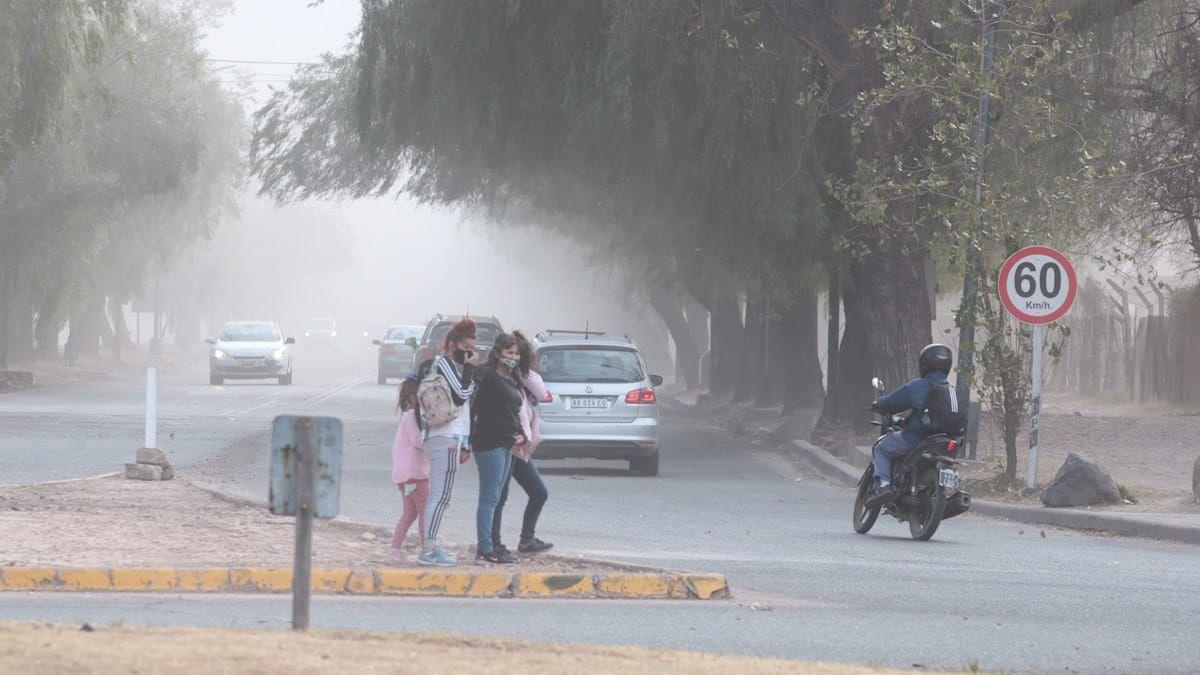 Federico Norte indicó que según el pronóstico del tiempo, hay una probabilidad del 88% de que baje el Zonda en Mendoza el sábado.
