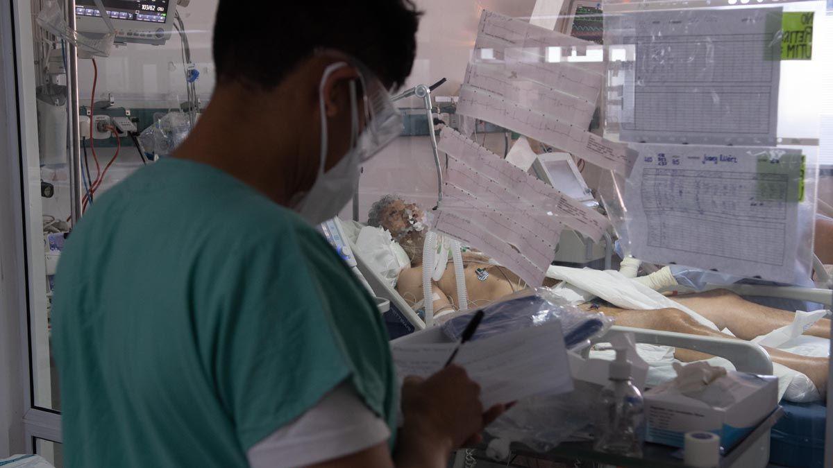 Puede colapsar el sistema sanitario: la preocupante predicción sobre el covid