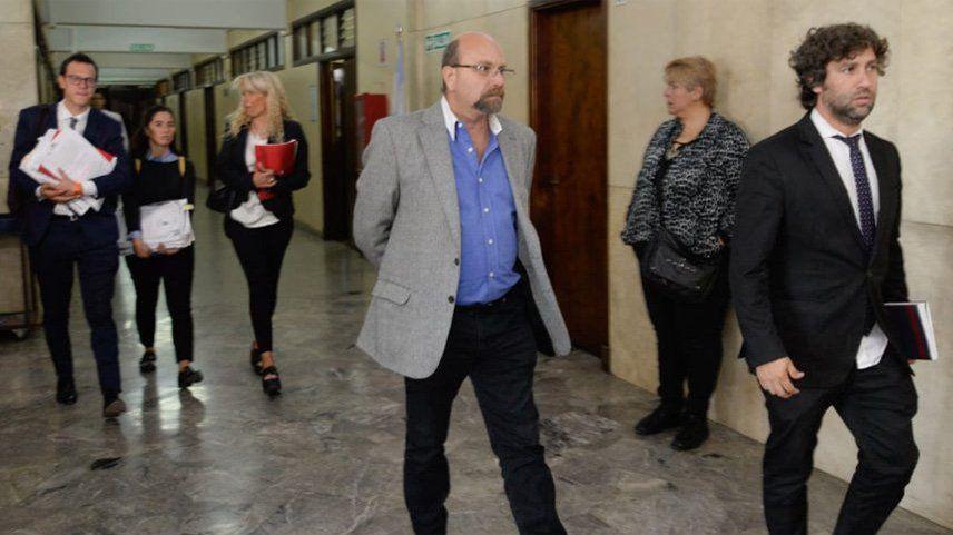 El caso del ex intendente Luis Lobos llegó a la instancia de apelación en la causa por el remate de tres de sus inmuebles.