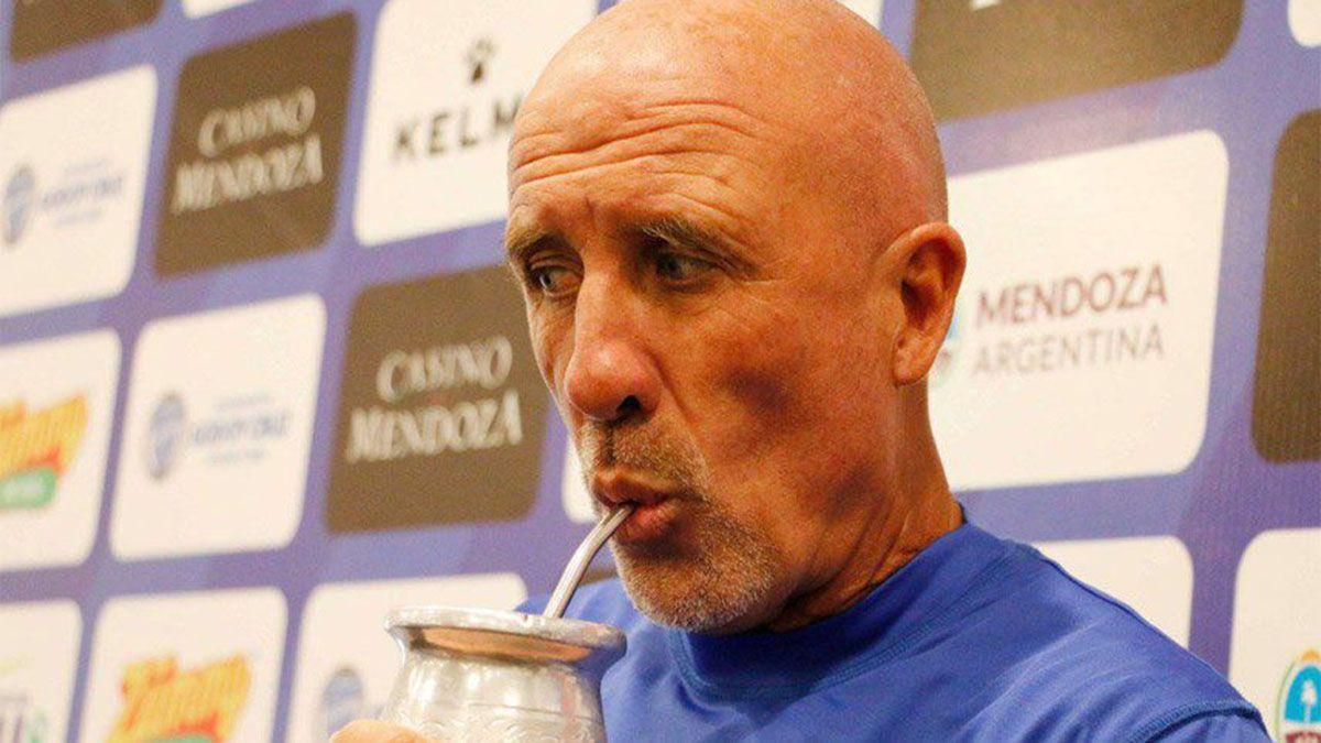 Danie Oldrá este sábado dirigirá ante Vélez su último partido ante Vélez.