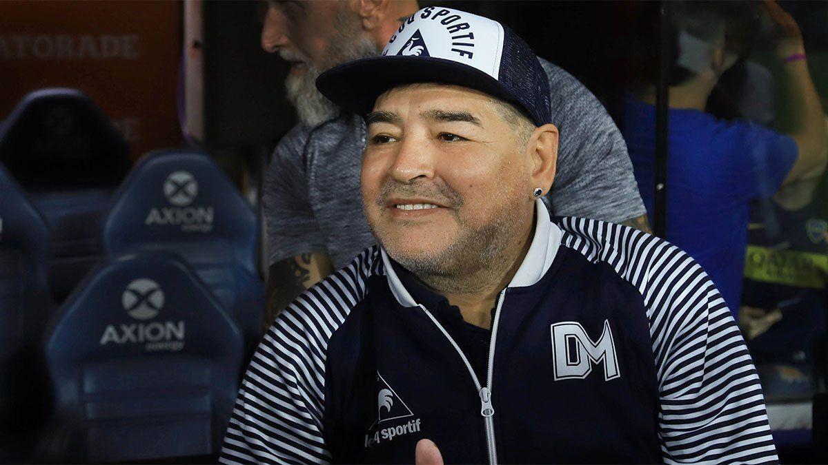 Maradona no está bien rodeado