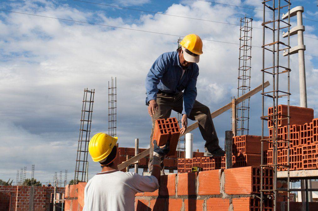 Viviendas: Nación financiará la finalización de 55 mil casas abandonadas
