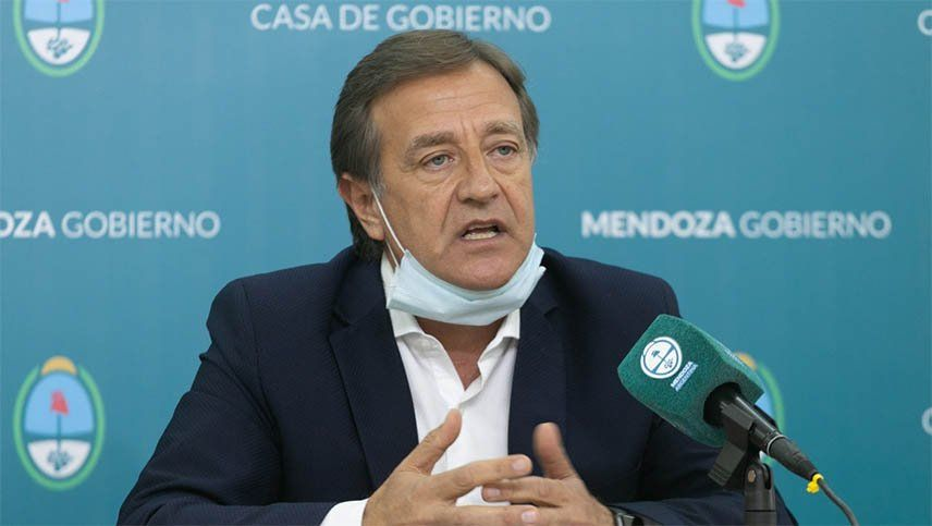 Suarez autorizará las reuniones familiares en Mendoza pero con restricciones