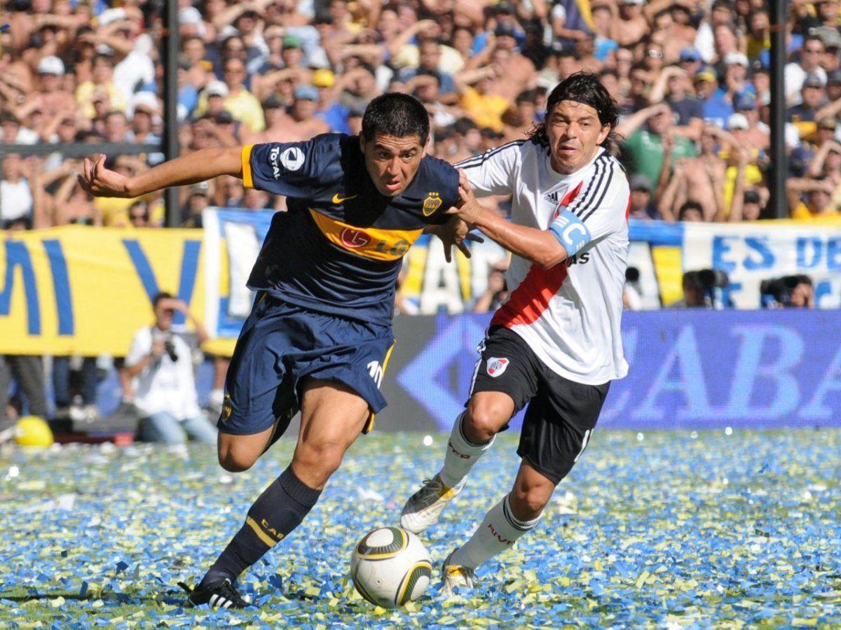 Juan Román Riquelme y el Muñeco Gallardo se enfrentaron 5 veces.