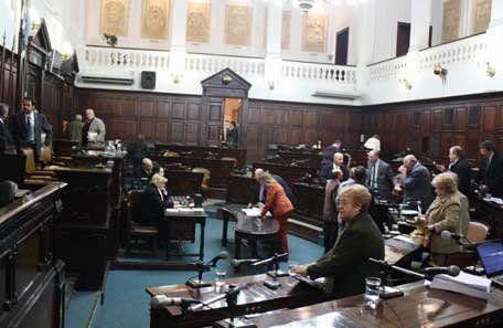 El cierre de listas se acerca, y la Legislatura provincial será, como siempre, la caja de resonancia de los cambios y los acuerdos en los frentes mayoritarios.