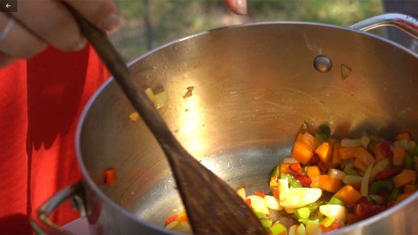 Recetas: cómo hacer arroz caldoso con pescadito frito por Nacho Molina y Romina Terranova