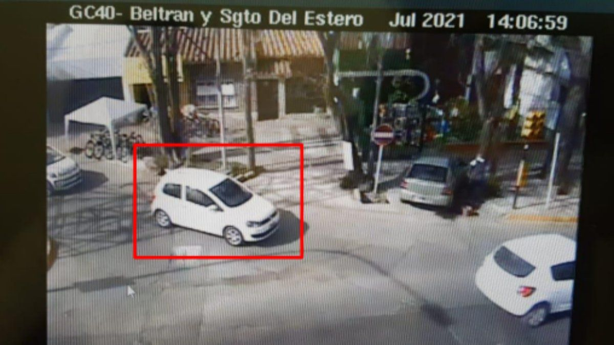 El rodado de Luziano Moreno en las imediaciones del barrio Bombal un minuto antes del asesinato.