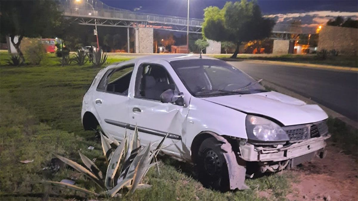 Un joven quedó muy grave luego de un accidente en Las Heras con un auto robado