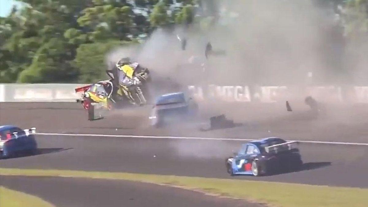El Dipy y un violento accidente en el Top Race Junior