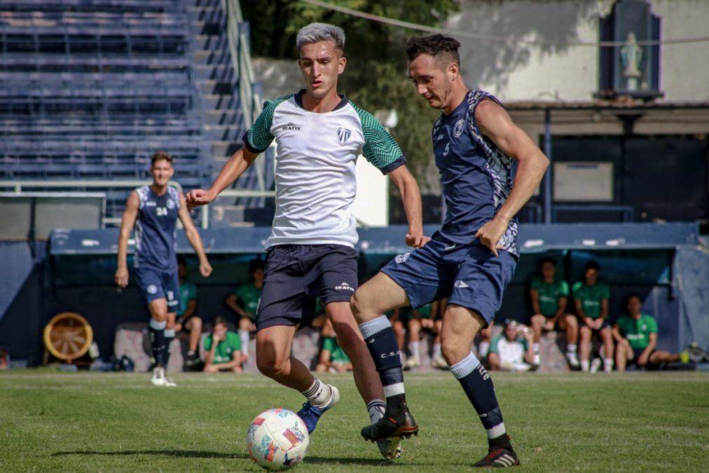 Independiente Rivadavia empató y ganó ante Academia Chacras